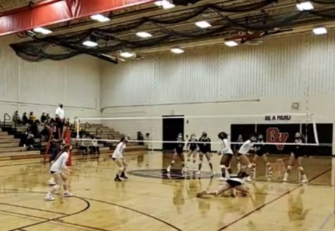 BHS Varsity Volleyball Goes 1-2 in Quad